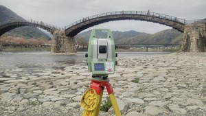 <建築物用の3Dスキャナで錦帯橋を計測>